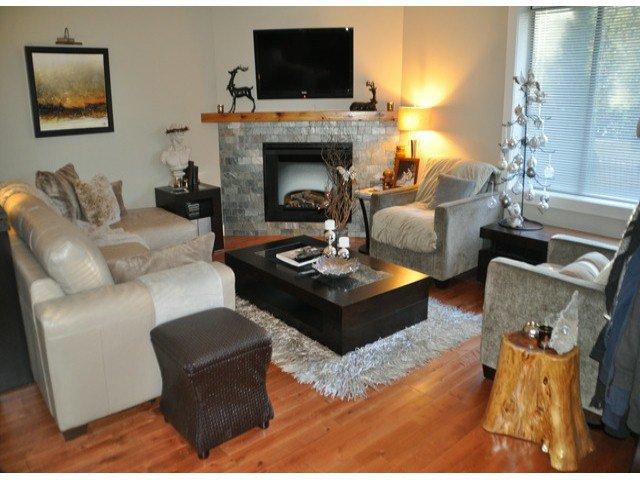 Main Photo: 1 15989 Marine Drive in : White Rock Condo for sale (South Surrey White Rock)  : MLS®# F1412892