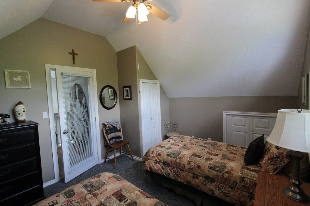 Photo 25: Photos: 6095 Squilax Anglemomt Road in Magna Bay: North Shuswap House with Acreage for sale (Shuswap)