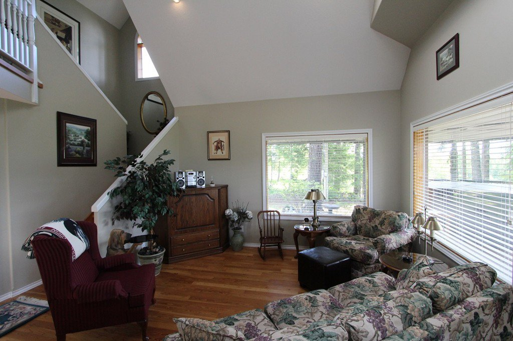 Photo 14: Photos: 6095 Squilax Anglemomt Road in Magna Bay: North Shuswap House with Acreage for sale (Shuswap)