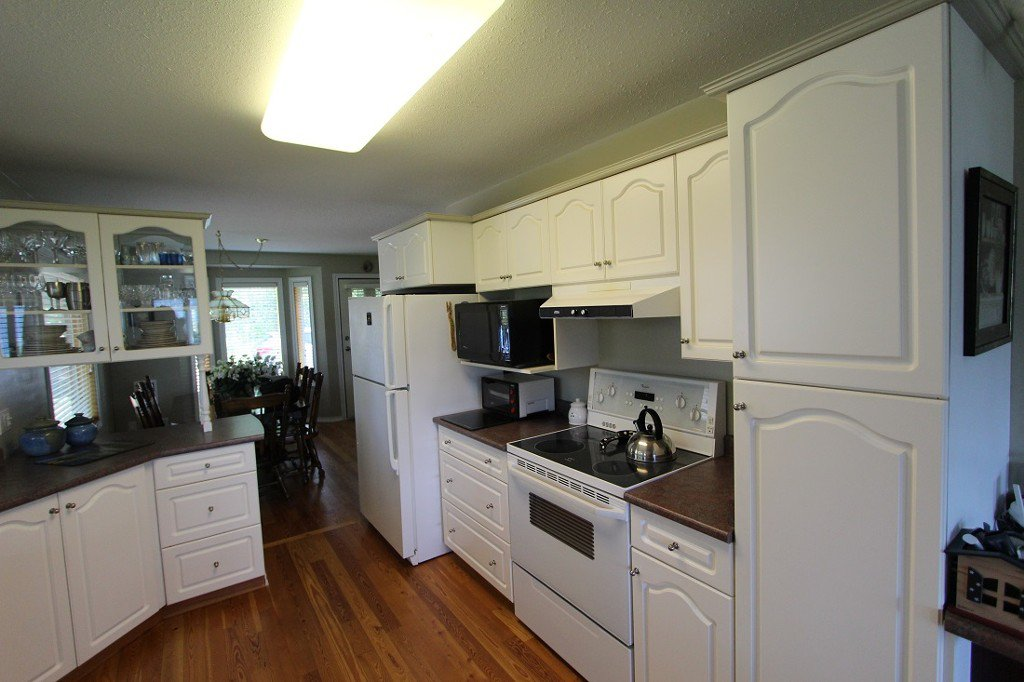 Photo 9: Photos: 6095 Squilax Anglemomt Road in Magna Bay: North Shuswap House with Acreage for sale (Shuswap)