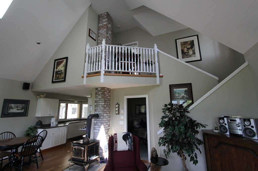 Photo 17: Photos: 6095 Squilax Anglemomt Road in Magna Bay: North Shuswap House with Acreage for sale (Shuswap)