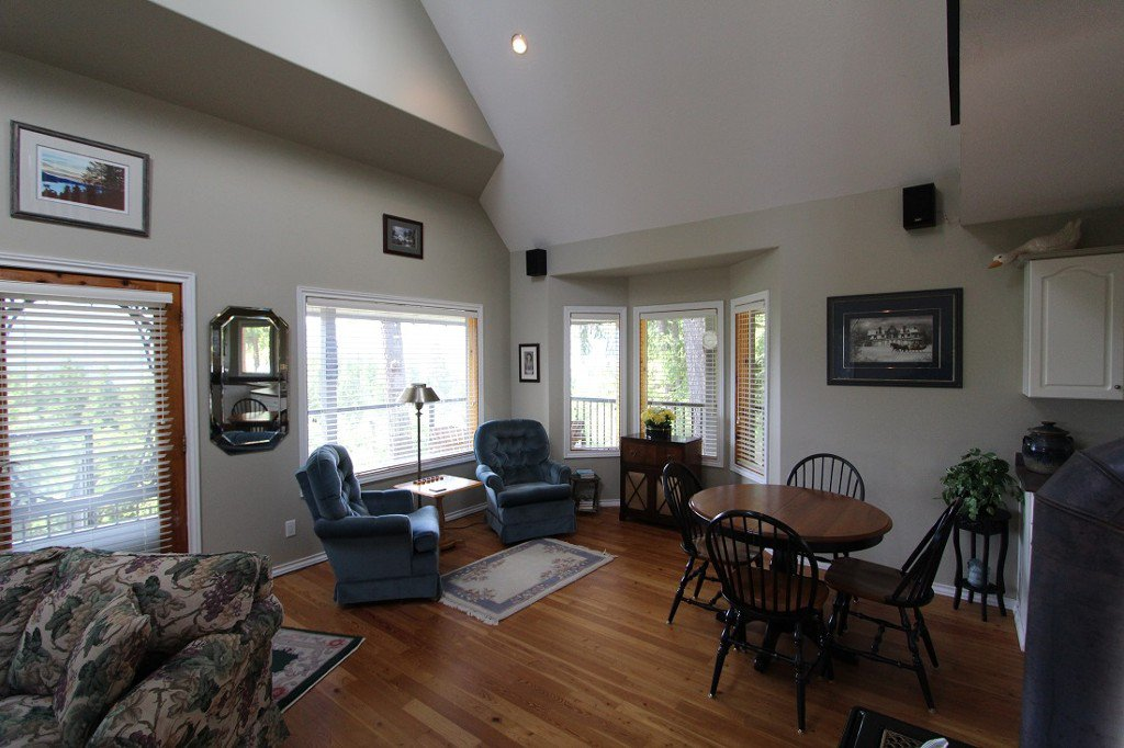 Photo 13: Photos: 6095 Squilax Anglemomt Road in Magna Bay: North Shuswap House with Acreage for sale (Shuswap)
