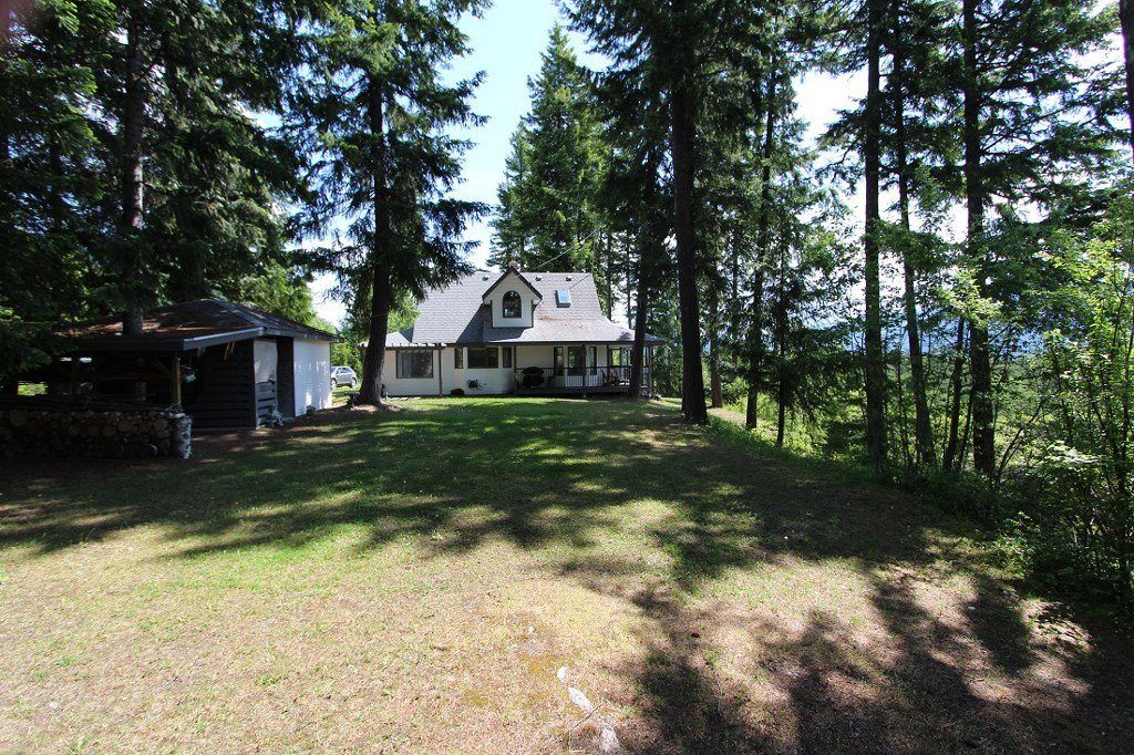 Photo 34: Photos: 6095 Squilax Anglemomt Road in Magna Bay: North Shuswap House with Acreage for sale (Shuswap)