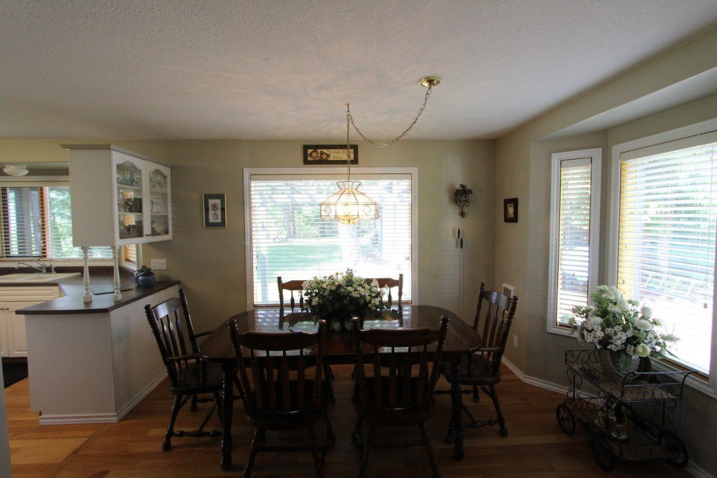 Photo 4: Photos: 6095 Squilax Anglemomt Road in Magna Bay: North Shuswap House with Acreage for sale (Shuswap)