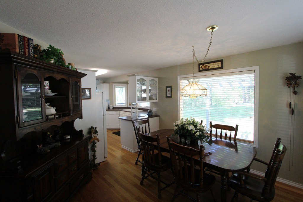Photo 7: Photos: 6095 Squilax Anglemomt Road in Magna Bay: North Shuswap House with Acreage for sale (Shuswap)