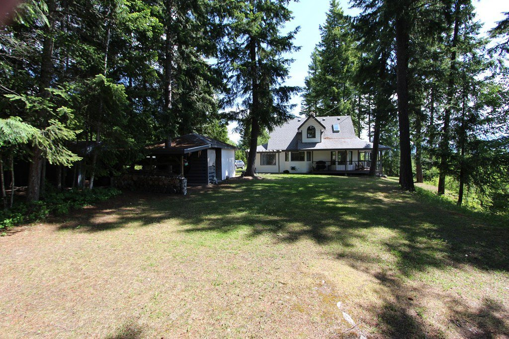 Photo 35: Photos: 6095 Squilax Anglemomt Road in Magna Bay: North Shuswap House with Acreage for sale (Shuswap)
