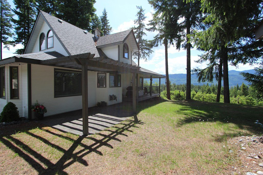 Photo 32: Photos: 6095 Squilax Anglemomt Road in Magna Bay: North Shuswap House with Acreage for sale (Shuswap)