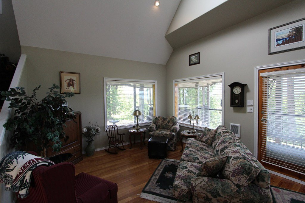 Photo 16: Photos: 6095 Squilax Anglemomt Road in Magna Bay: North Shuswap House with Acreage for sale (Shuswap)