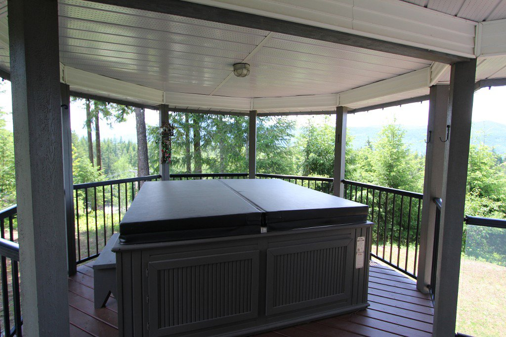Photo 28: Photos: 6095 Squilax Anglemomt Road in Magna Bay: North Shuswap House with Acreage for sale (Shuswap)