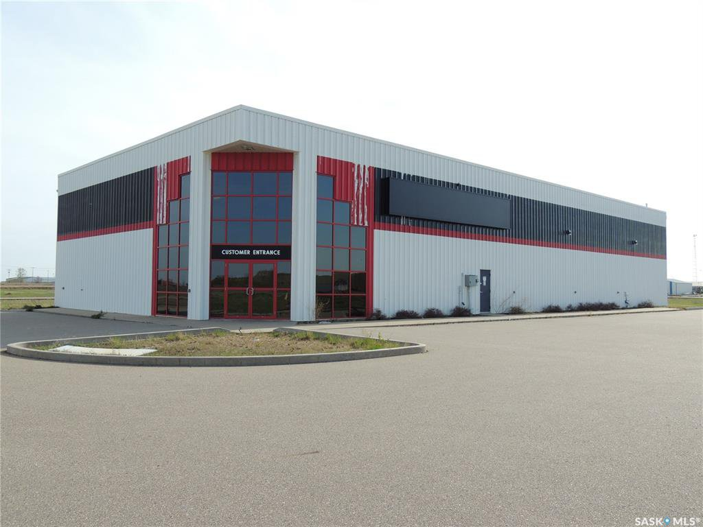 Photo 1: Photos: 516 Nesbitt Drive in Estevan: Commercial for sale : MLS®# SK800708