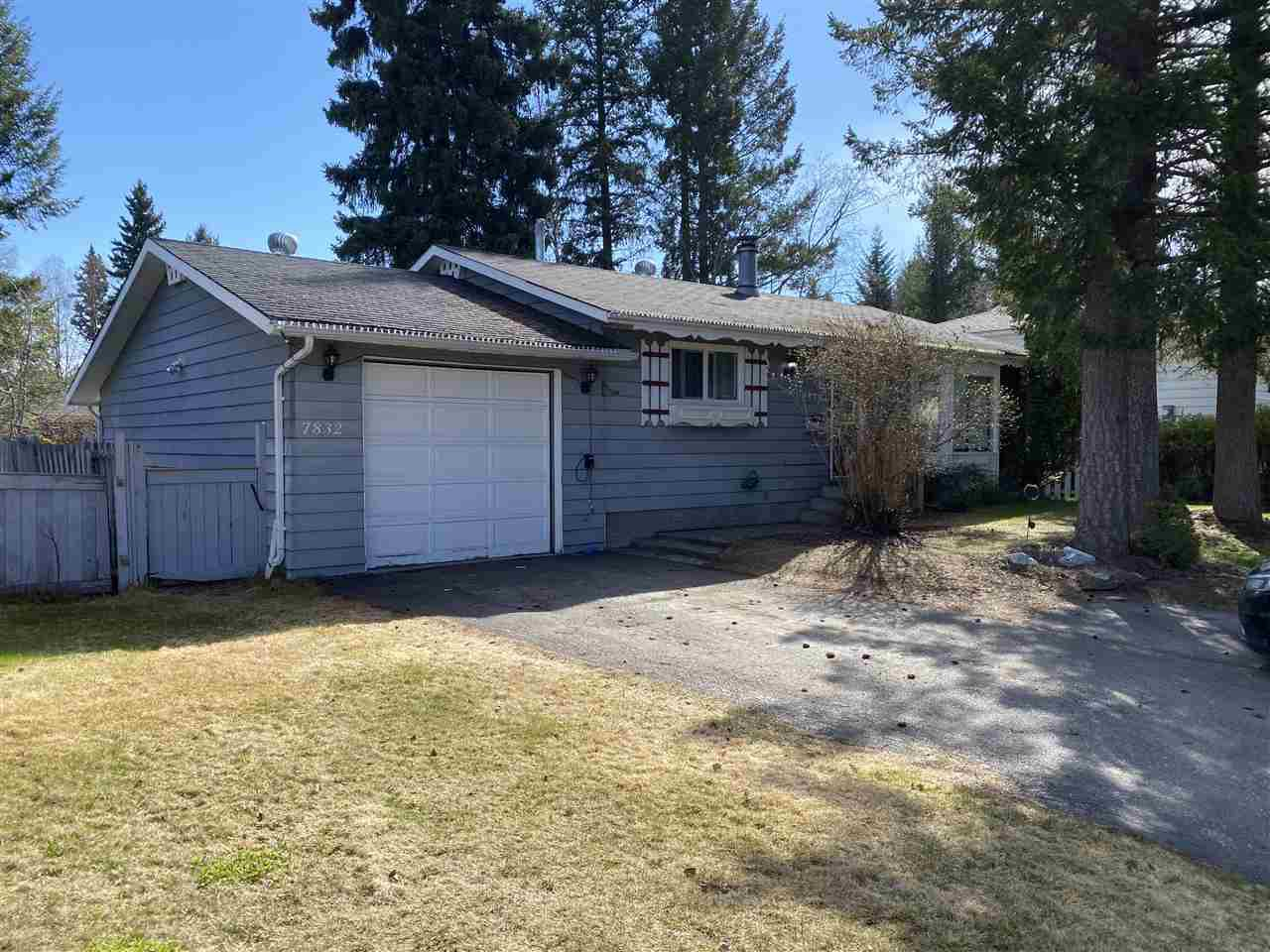 Main Photo: 7832 LATROBE Place in Prince George: Lower College House for sale (PG City South (Zone 74))  : MLS®# R2453379