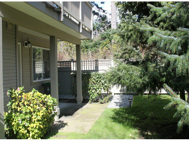 """Photo 9: Photos: 15 2780 150TH Street in Surrey: Sunnyside Park Surrey Townhouse for sale in """"The Daventry"""" (South Surrey White Rock)  : MLS®# F1306319"""