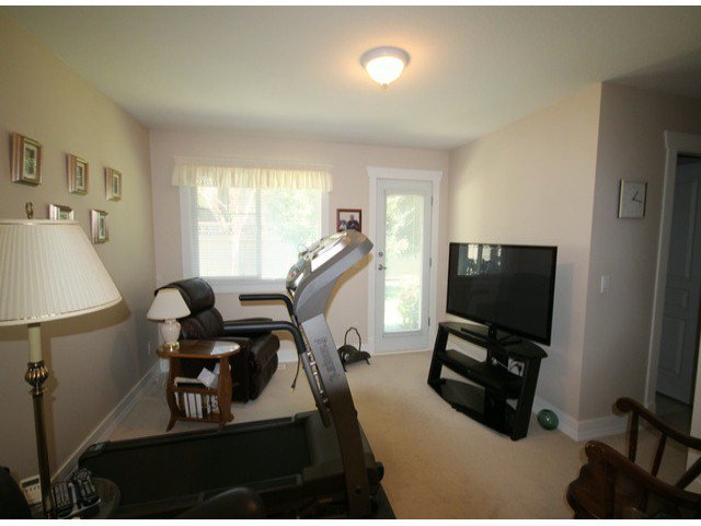 """Photo 6: Photos: 15 2780 150TH Street in Surrey: Sunnyside Park Surrey Townhouse for sale in """"The Daventry"""" (South Surrey White Rock)  : MLS®# F1306319"""