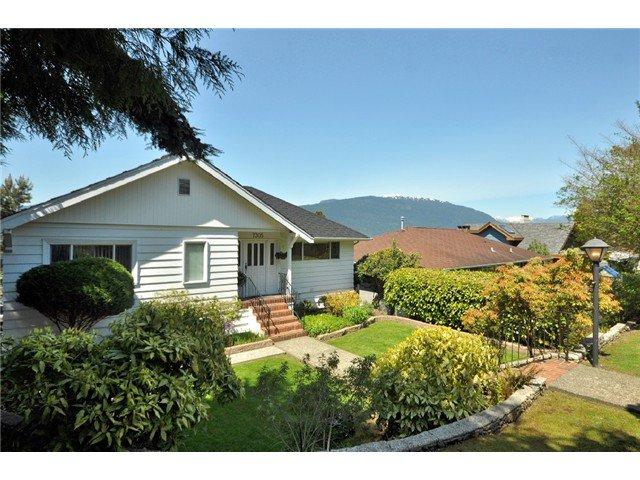 Main Photo: 7305 BRAESIDE DR in Burnaby: Westridge BN House for sale (Burnaby North)  : MLS®# V1104840