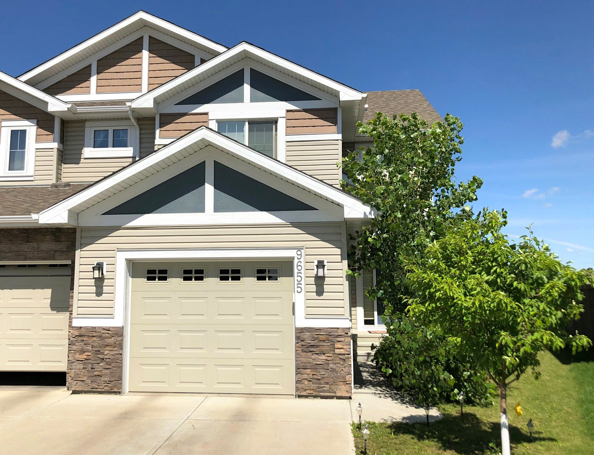 Main Photo: 9655 Simpson pl NW in Edmonton: House for sale