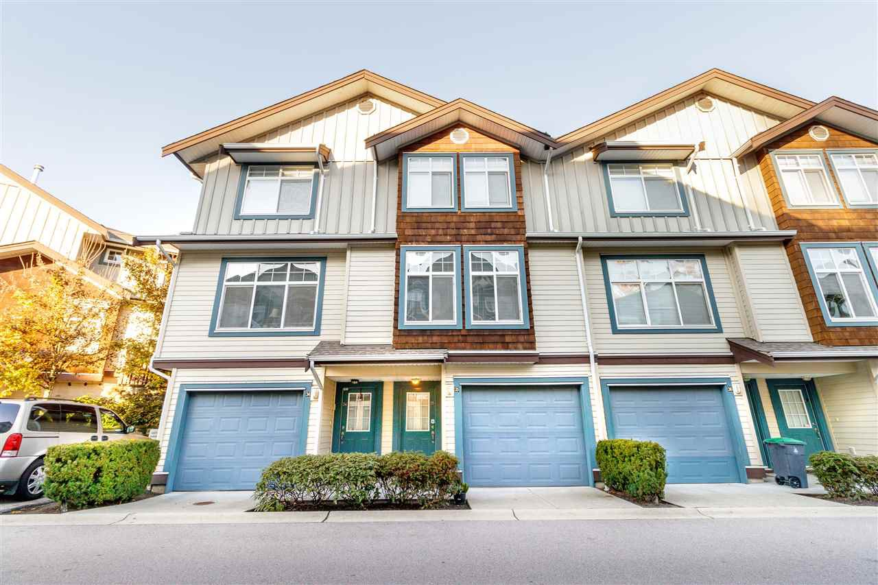 Main Photo: 35 16588 FRASER Highway in Surrey: Fleetwood Tynehead Townhouse for sale : MLS®# R2406788