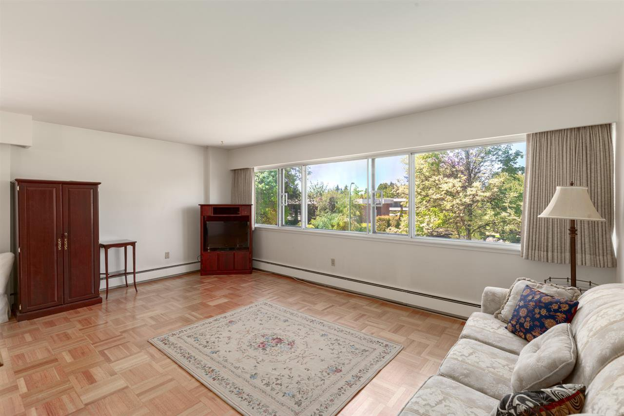 Main Photo: 201 5926 TISDALL STREET in Vancouver: Oakridge VW Condo for sale (Vancouver West)  : MLS®# R2405972