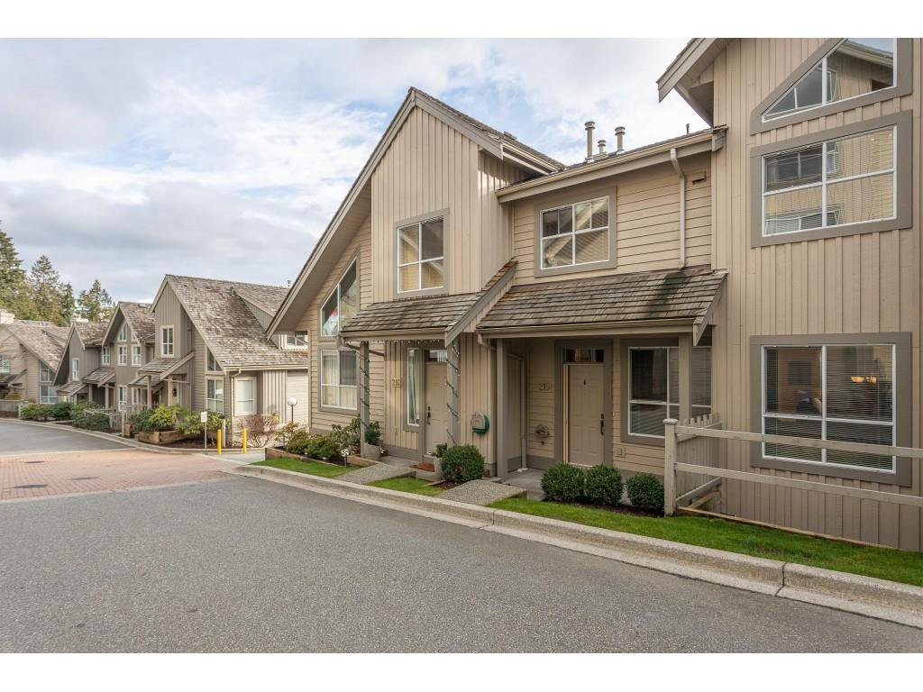 "Main Photo: 215 1465 PARKWAY Boulevard in Coquitlam: Westwood Plateau Townhouse for sale in ""SILVER OAK"" : MLS®# R2428218"
