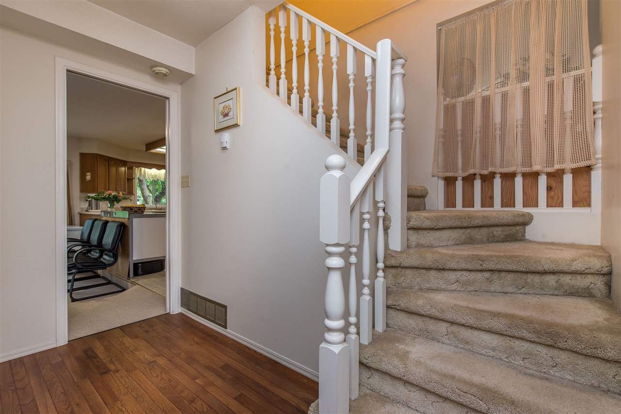 """Photo 10: Photos: 3440 CRESTON Drive in Abbotsford: Abbotsford West House for sale in """"Fairfield Estates"""" : MLS®# R2471100"""