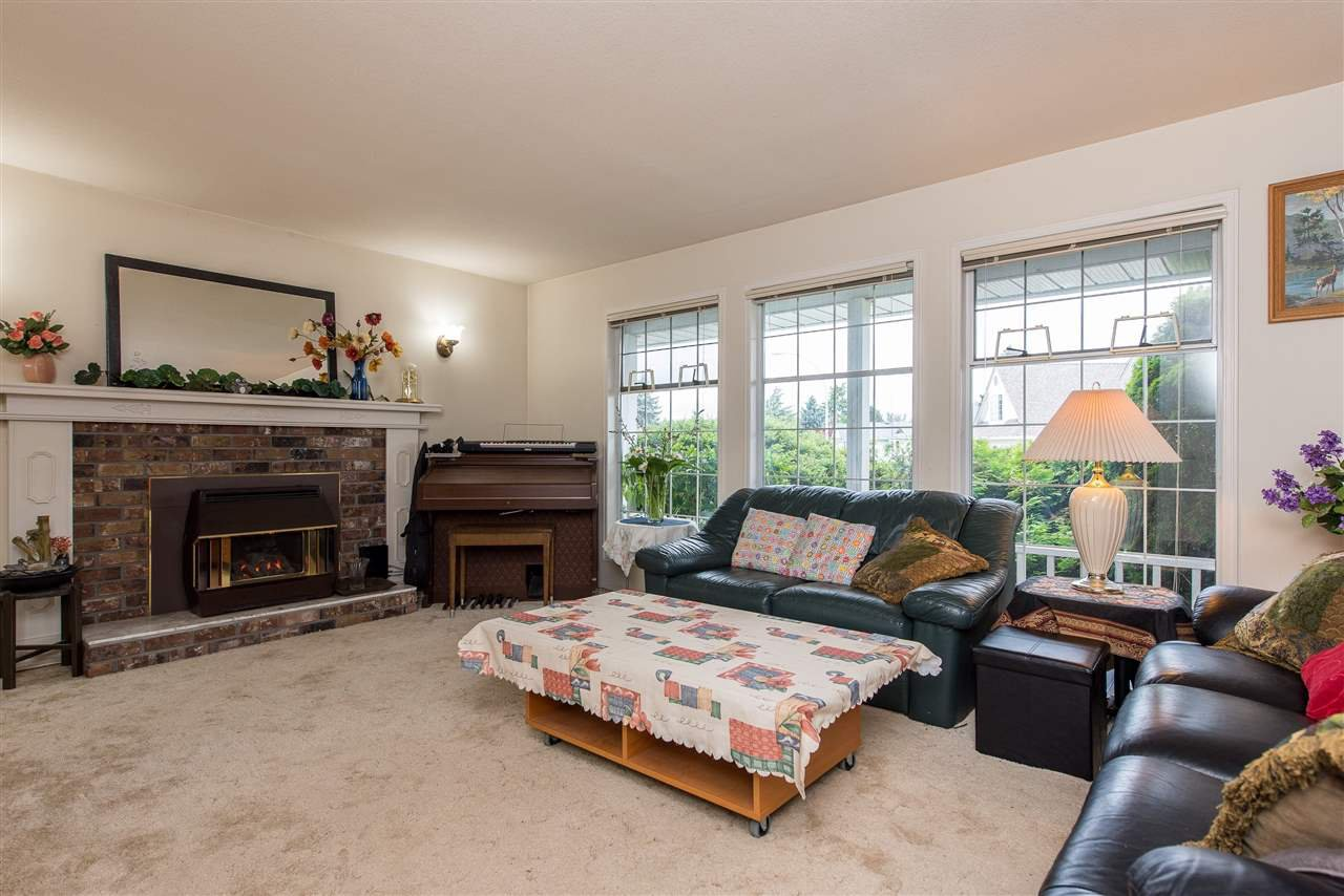 """Photo 4: Photos: 3440 CRESTON Drive in Abbotsford: Abbotsford West House for sale in """"Fairfield Estates"""" : MLS®# R2471100"""