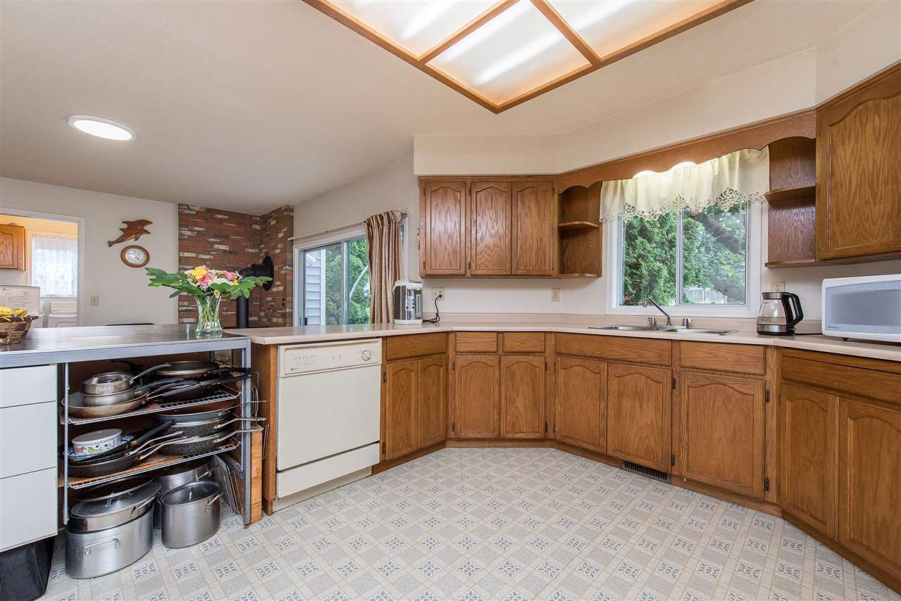 """Photo 15: Photos: 3440 CRESTON Drive in Abbotsford: Abbotsford West House for sale in """"Fairfield Estates"""" : MLS®# R2471100"""