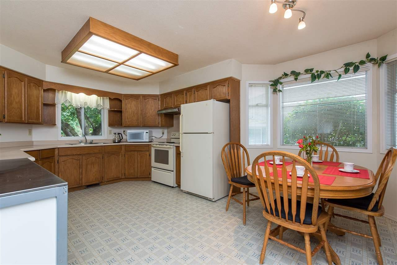 """Photo 11: Photos: 3440 CRESTON Drive in Abbotsford: Abbotsford West House for sale in """"Fairfield Estates"""" : MLS®# R2471100"""