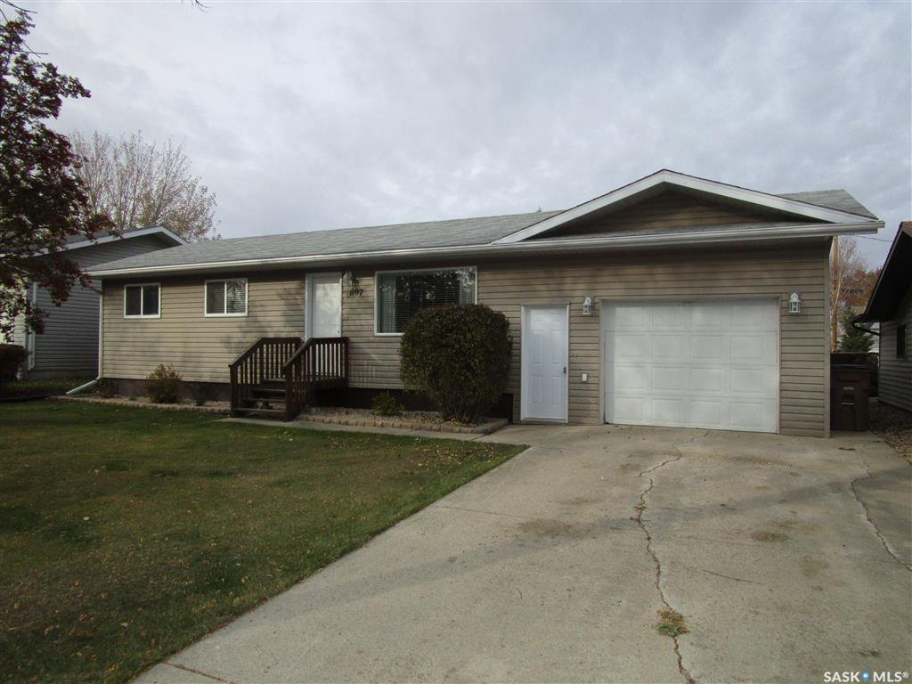 Main Photo: 807 107th Avenue in Tisdale: Residential for sale : MLS®# SK833247
