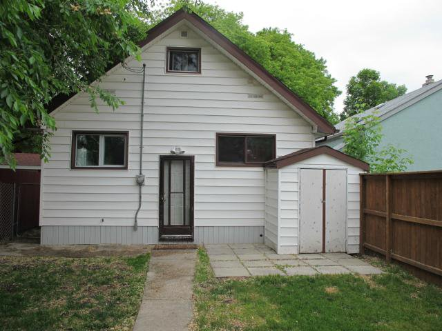 Photo 2: Photos:  in WINNIPEG: East Kildonan Residential for sale (North East Winnipeg)  : MLS®# 1312580