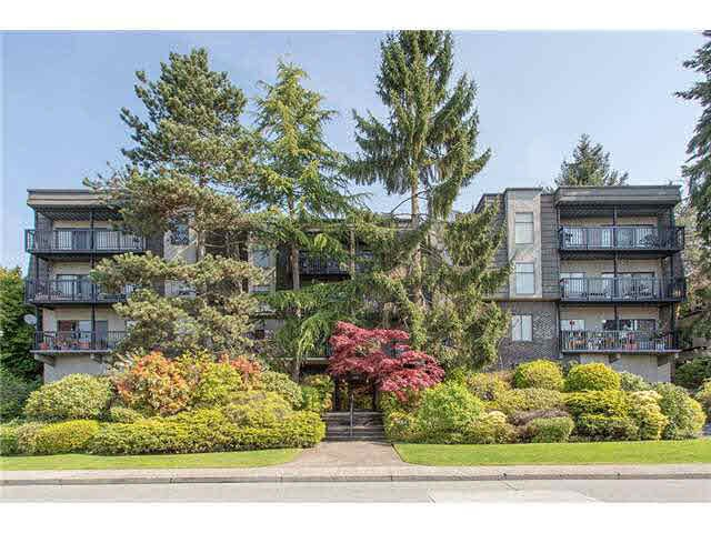Main Photo: 208 150 E 5TH STREET in NORTH VANC: Lower Lonsdale Condo for sale (North Vancouver)  : MLS®# V1140436