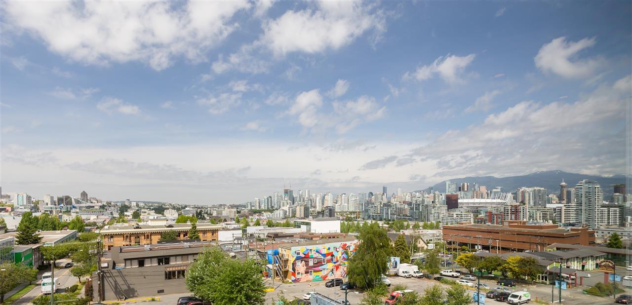 Main Photo: 711 209 E 7TH AVENUE in Vancouver: Mount Pleasant VE Condo for sale (Vancouver East)  : MLS®# R2315774