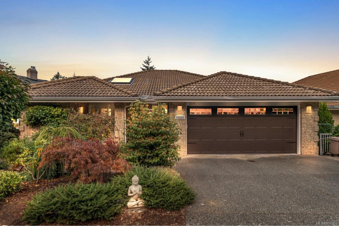 Main Photo: 205 Marine Dr in : ML Cobble Hill House for sale (Malahat & Area)  : MLS®# 856265