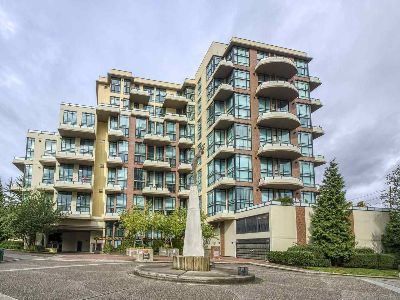 """Main Photo: 601 10 RENAISSANCE Square in New Westminster: Quay Condo for sale in """"MURANO LOFTS"""" : MLS®# R2502696"""
