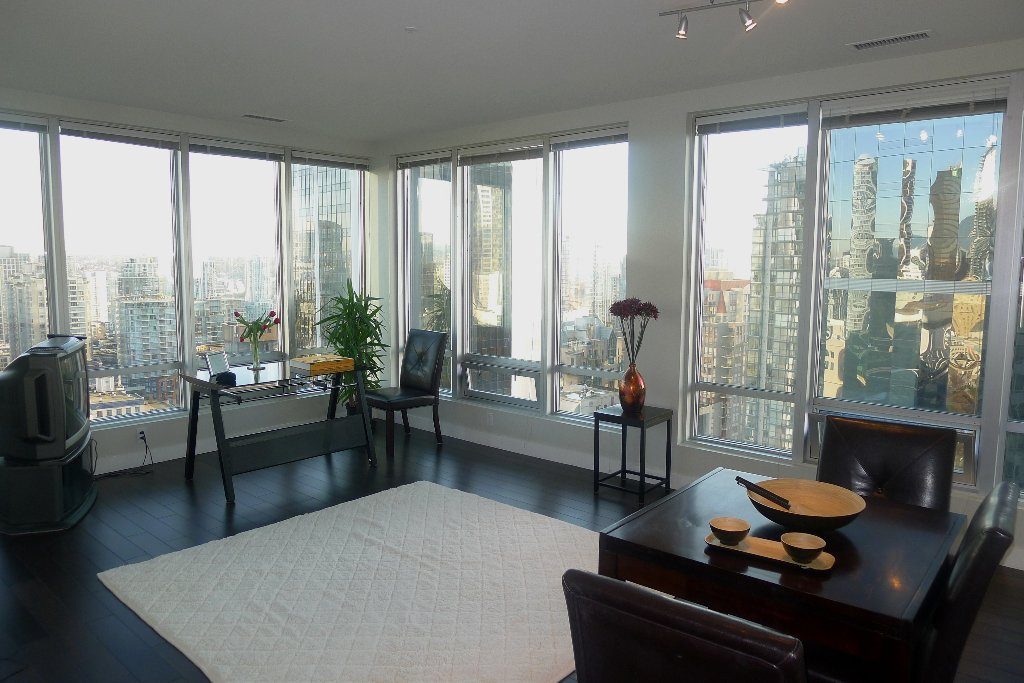 "Main Photo: 1601 989 NELSON Street in Vancouver: Downtown VW Condo for sale in ""THE ELECTRA"" (Vancouver West)  : MLS®# V929177"