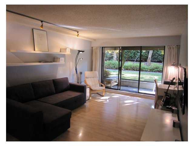 """Main Photo: # 107 2424 CYPRESS ST in Vancouver: Kitsilano Condo for sale in """"CYPRESS GARDENS"""" (Vancouver West)  : MLS®# V975899"""