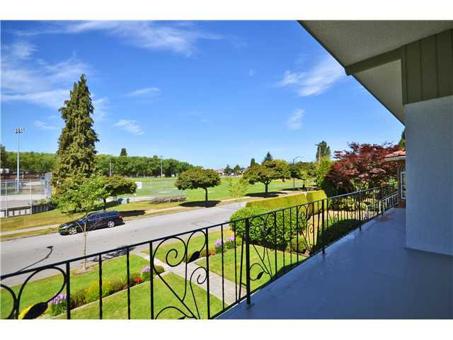 Photo 12: Photos: 5854 ROSS Street in Vancouver: Knight House for sale (Vancouver East)  : MLS®# V1021308