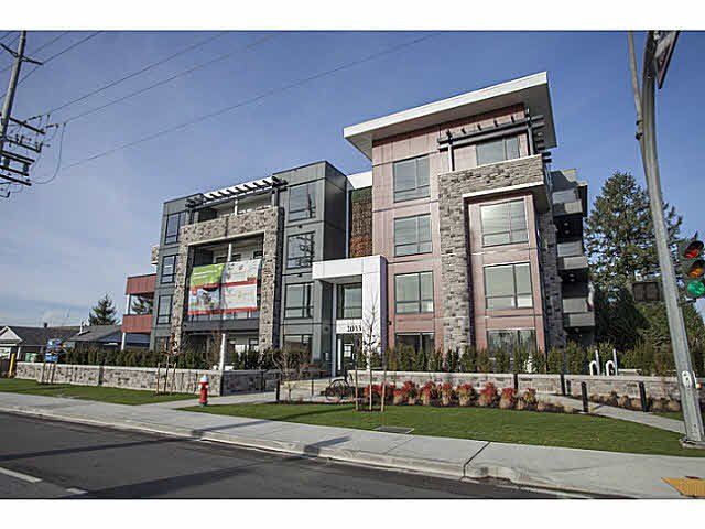 Main Photo: 304 20331 DEWDNEY TRUNK ROAD in Maple Ridge: Northwest Maple Ridge Condo for sale : MLS®# V1125851