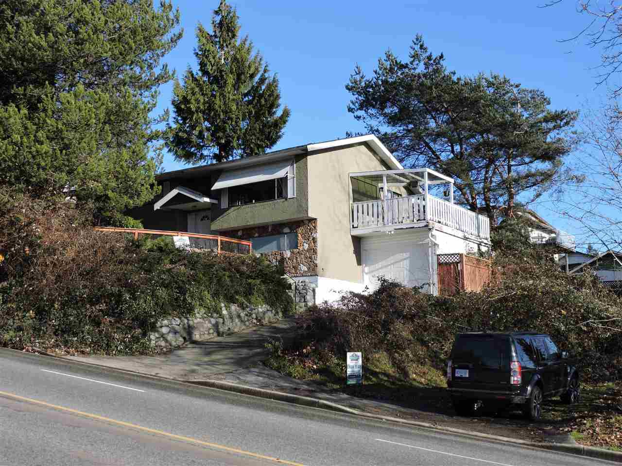 Main Photo: 7254 WREN STREET in Mission: Mission BC House for sale : MLS®# R2021052