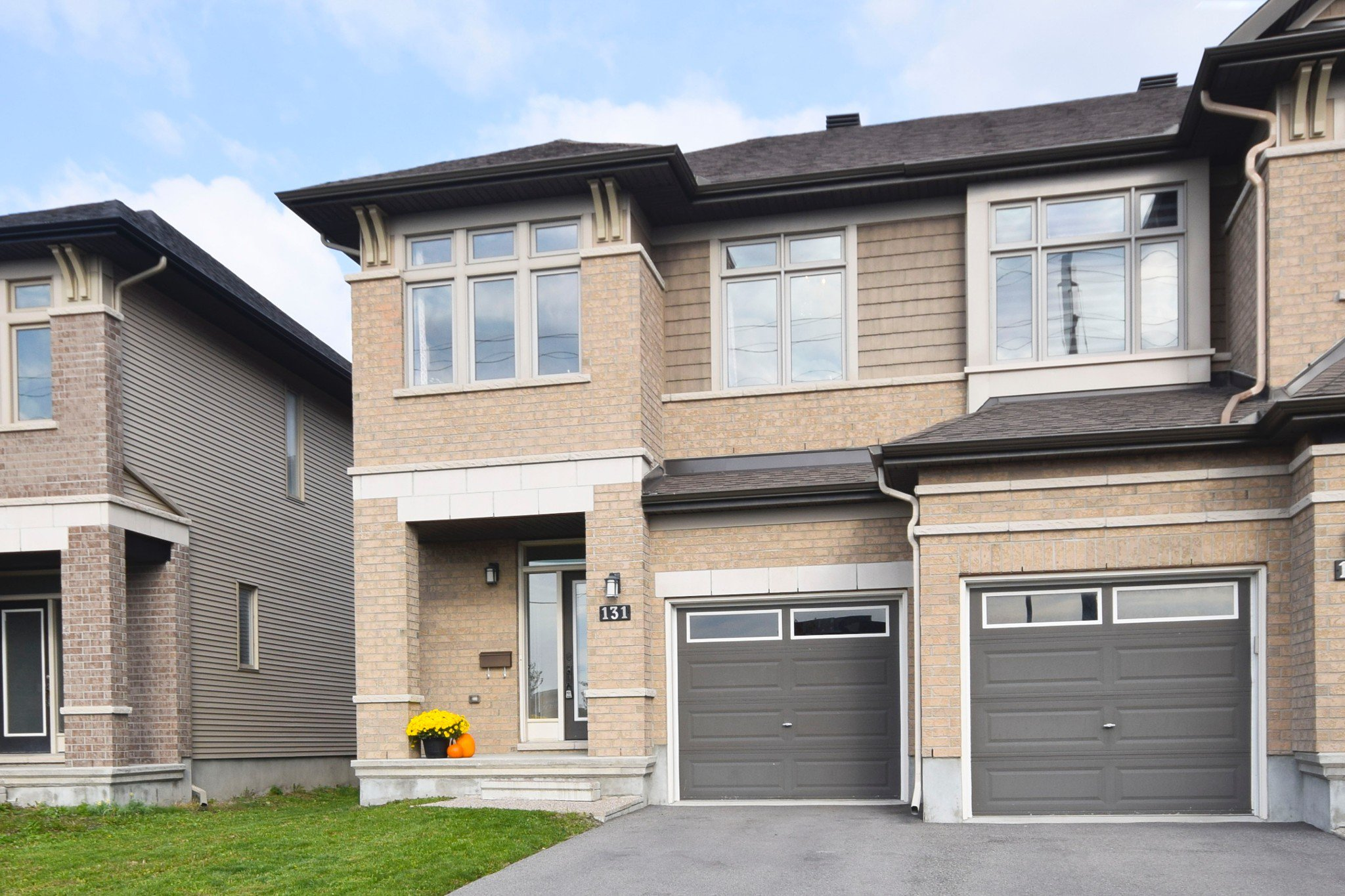 Photo 2: Photos: 131 Popplewell Crescent in Ottawa: Cedargrove / Fraserdale House for sale (Barrhaven)  : MLS®# 1130335