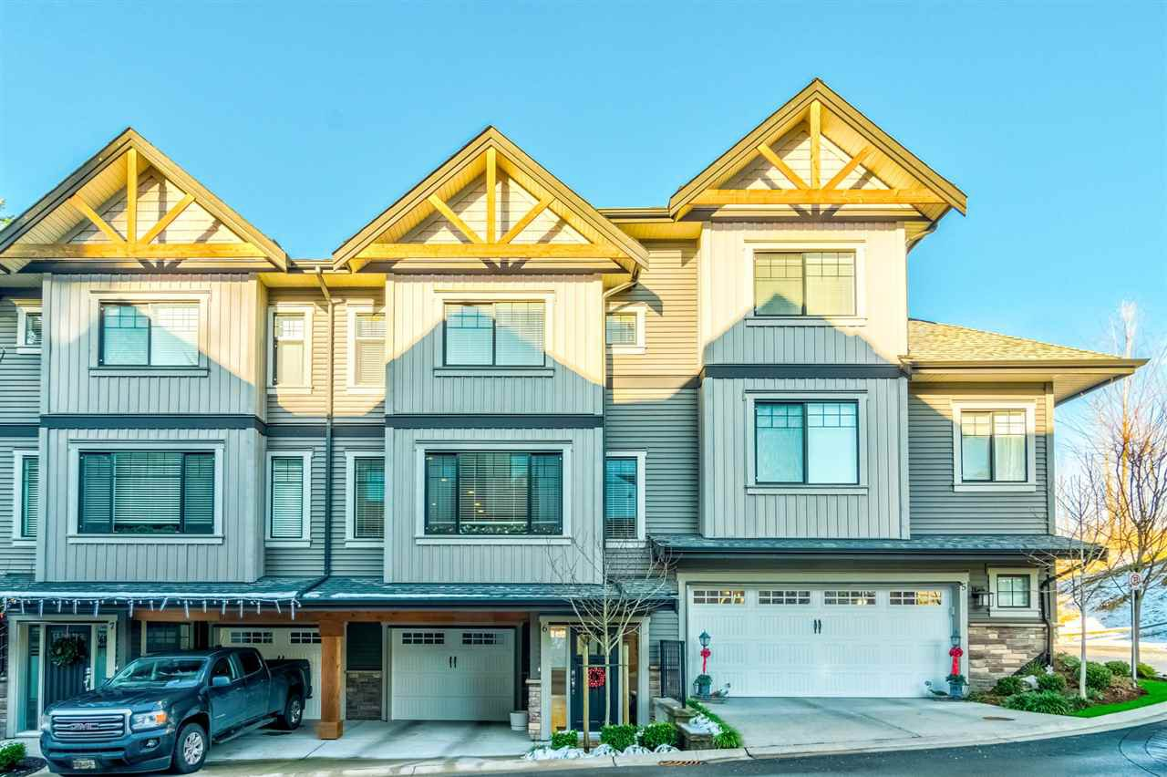 Main Photo: 6 23709 111A AVENUE in : Cottonwood MR Townhouse for sale : MLS®# R2229562