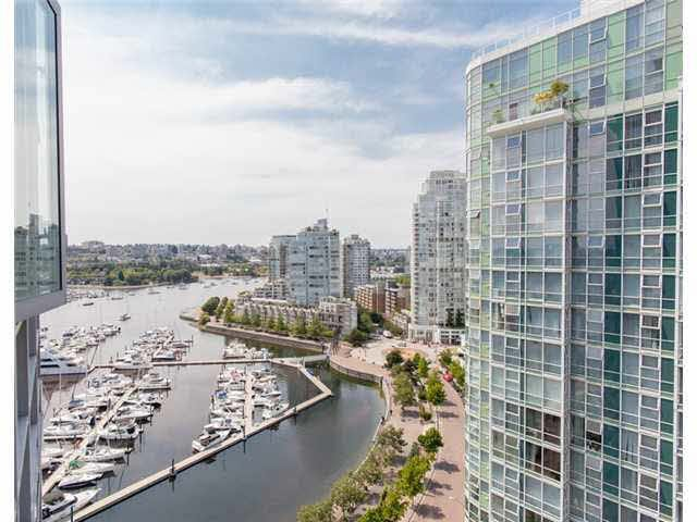 Main Photo: 2105 1067 MARINASIDE CRESCENT in : Yaletown Condo for sale : MLS®# V1076929