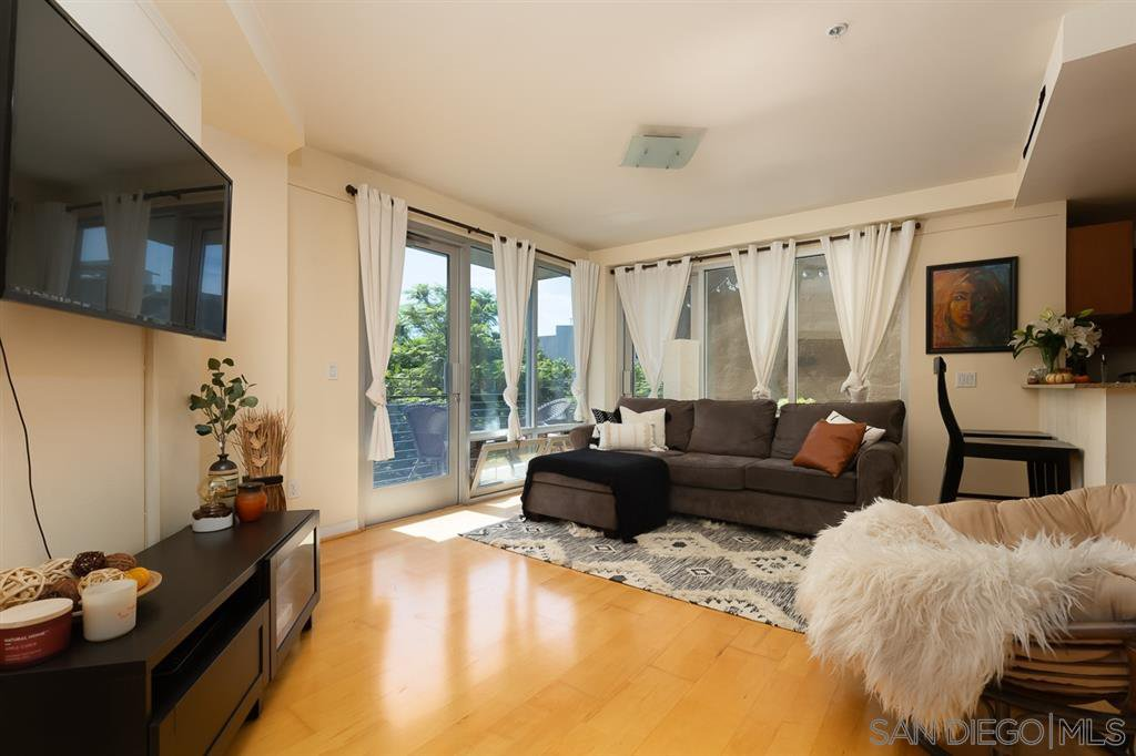 Main Photo: DOWNTOWN Condo for sale : 2 bedrooms : 1608 India St #201 in San Diego