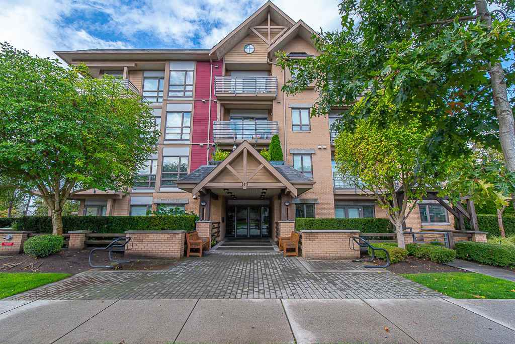 """Main Photo: 208 5811 177B Street in Surrey: Cloverdale BC Condo for sale in """"LATIS"""" (Cloverdale)  : MLS®# R2508787"""