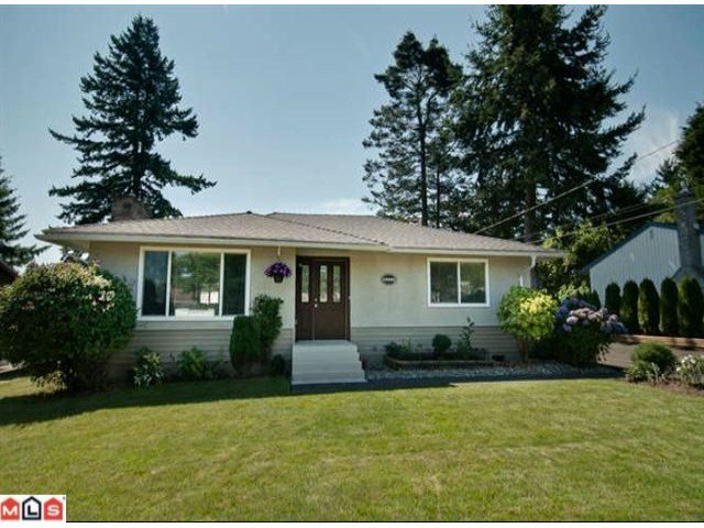 Main Photo: 15452 17TH Avenue in Surrey: King George Corridor House for sale (South Surrey White Rock)  : MLS®# F1221130
