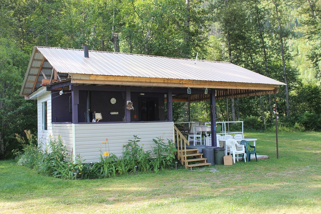 Photo 12: Photos: 7605 Highway 95 in Kingsgate: House for sale (Nelson Rural)  : MLS®# 2408578