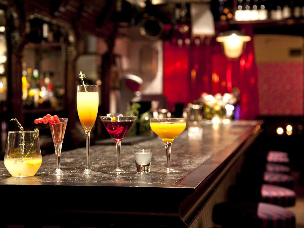 Main Photo: ~ BEVERAGE-DRIVEN VENUE ~ in : Gastown Home for sale (Vancouver)