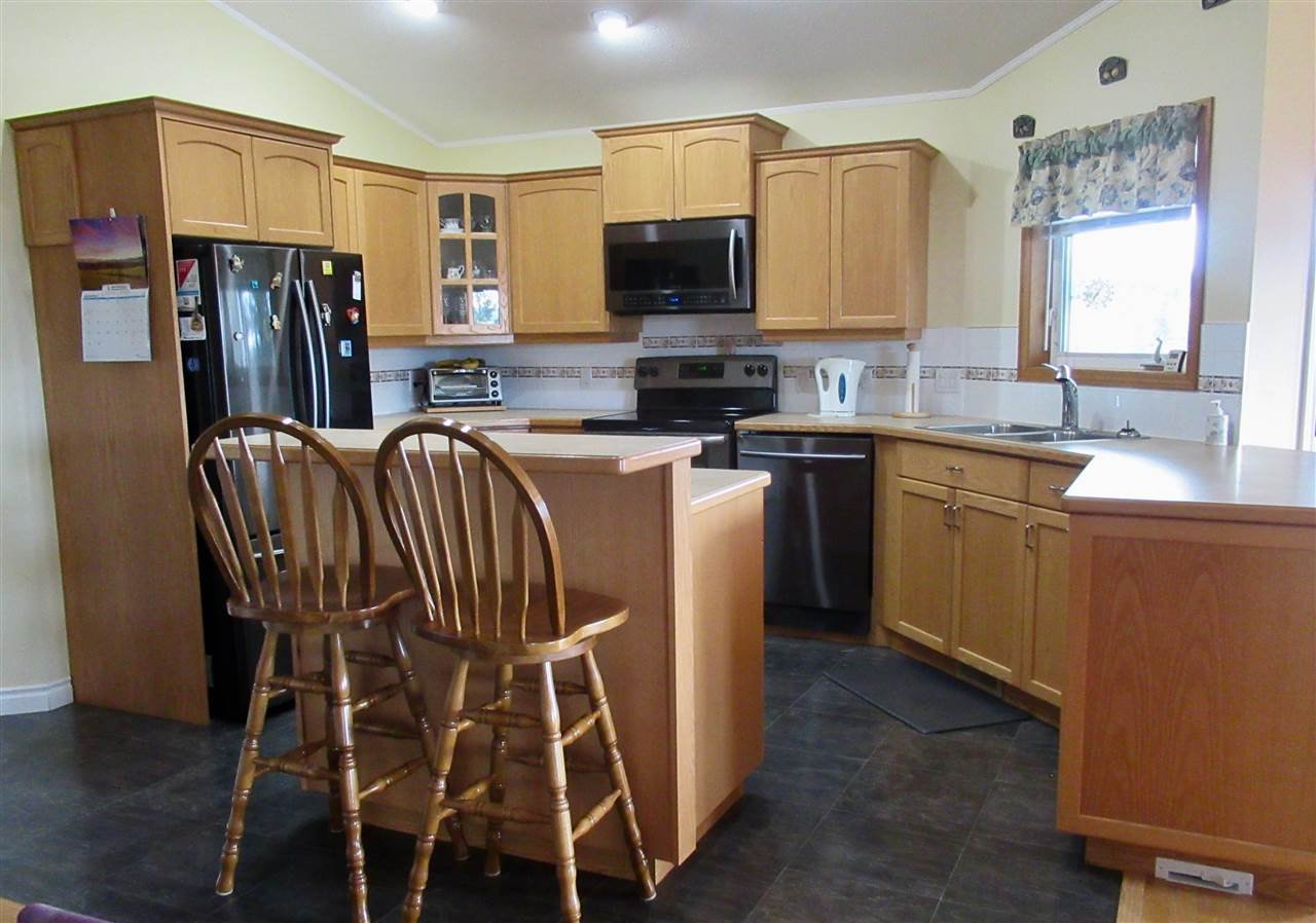Photo 3: Photos: 2884 GOLD DIGGER Drive: 150 Mile House House for sale (Williams Lake (Zone 27))  : MLS®# R2409553