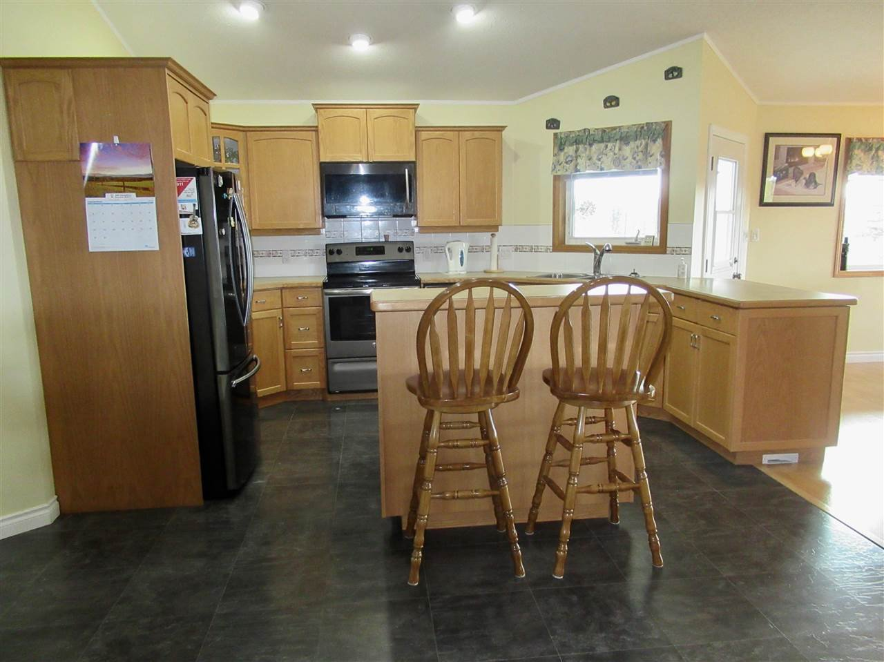 Photo 2: Photos: 2884 GOLD DIGGER Drive: 150 Mile House House for sale (Williams Lake (Zone 27))  : MLS®# R2409553