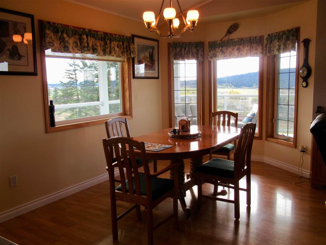 Photo 5: Photos: 2884 GOLD DIGGER Drive: 150 Mile House House for sale (Williams Lake (Zone 27))  : MLS®# R2409553