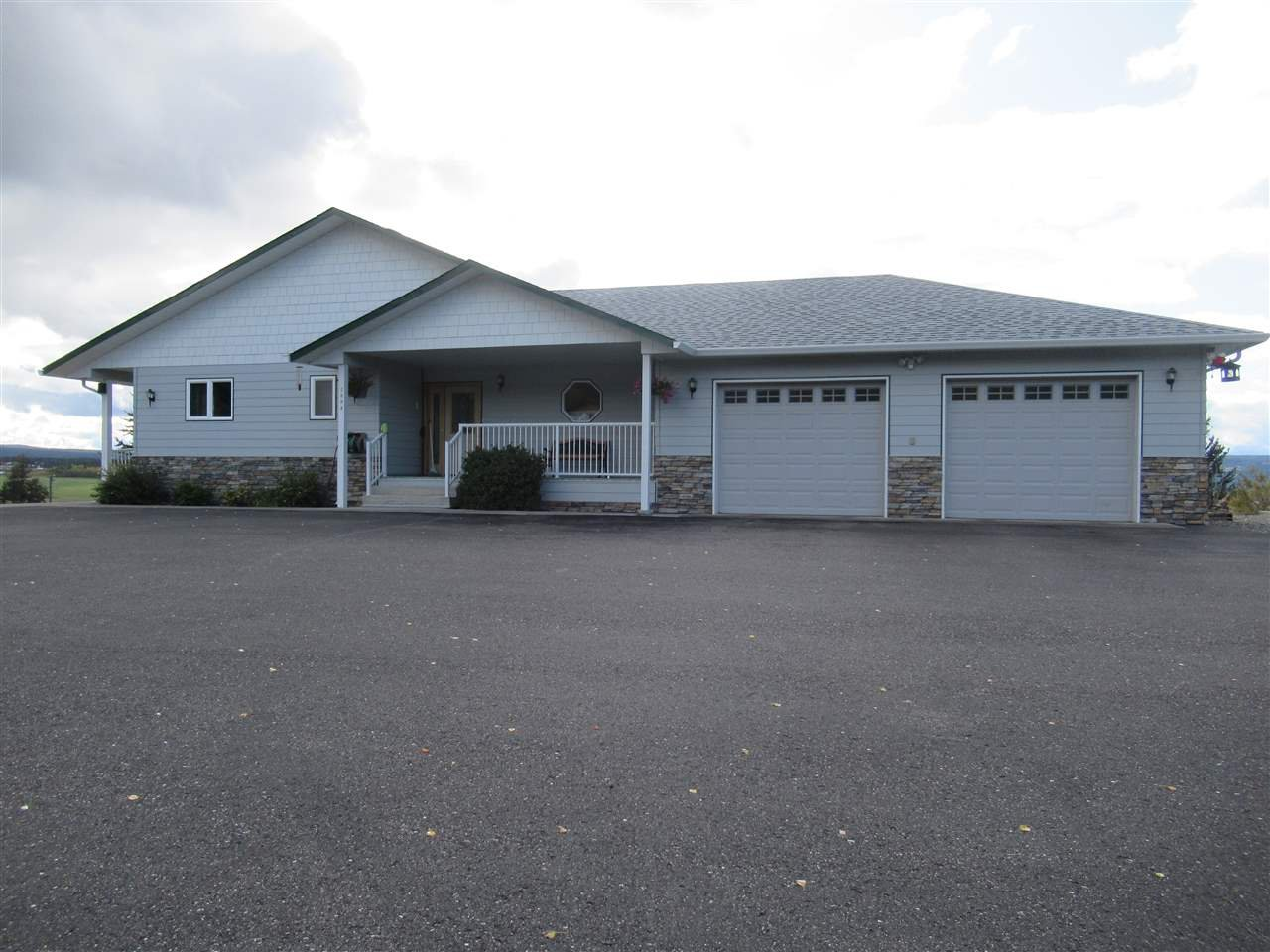 Photo 1: Photos: 2884 GOLD DIGGER Drive: 150 Mile House House for sale (Williams Lake (Zone 27))  : MLS®# R2409553