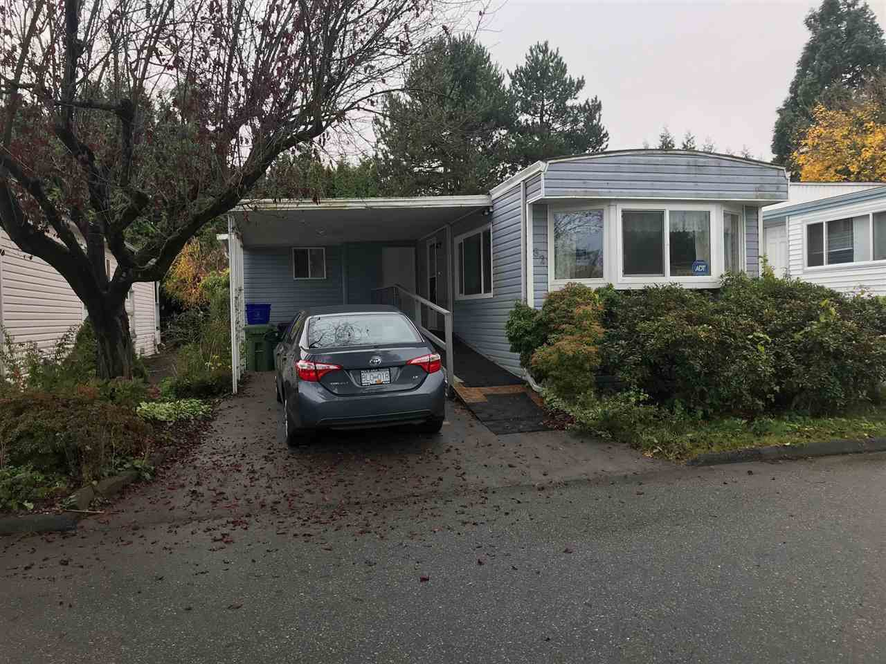 """Main Photo: 82 7790 KING GEORGE Boulevard in Surrey: East Newton Manufactured Home for sale in """"Crispen Bays"""" : MLS®# R2419105"""